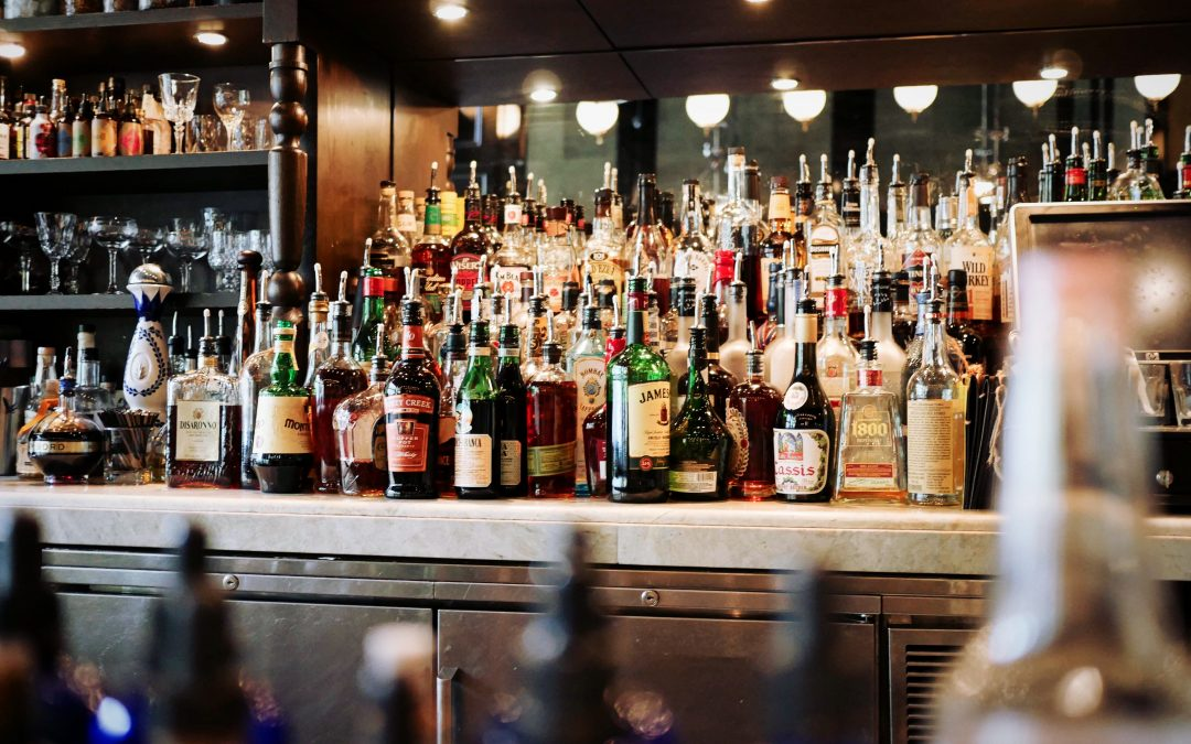 Wedding Bar Service: From Non-Alcoholic to a DIY Bar
