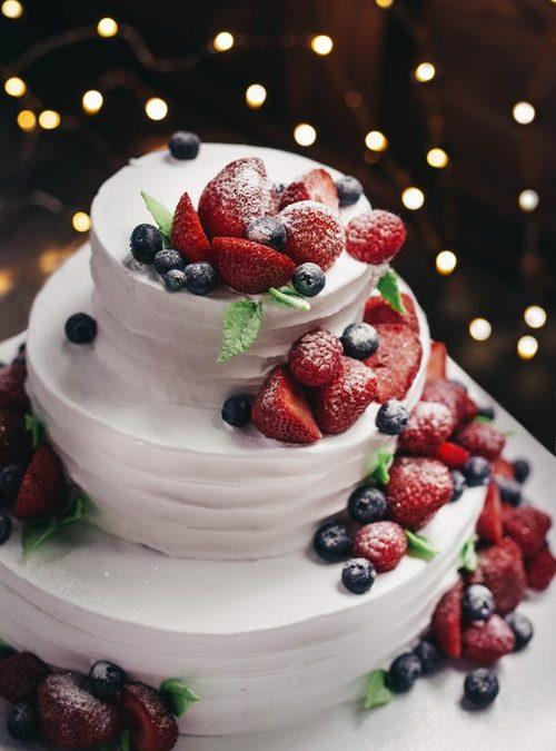 20 Seasonal Wedding Cake Ideas for Every Bride